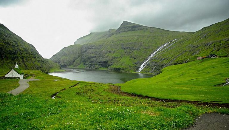 Isole Faroe Fly and drive