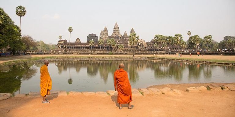 Cambogia gruppo Overland